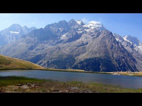 Randonnée au lac du Pontet (Hautes-Alpes) en été HD