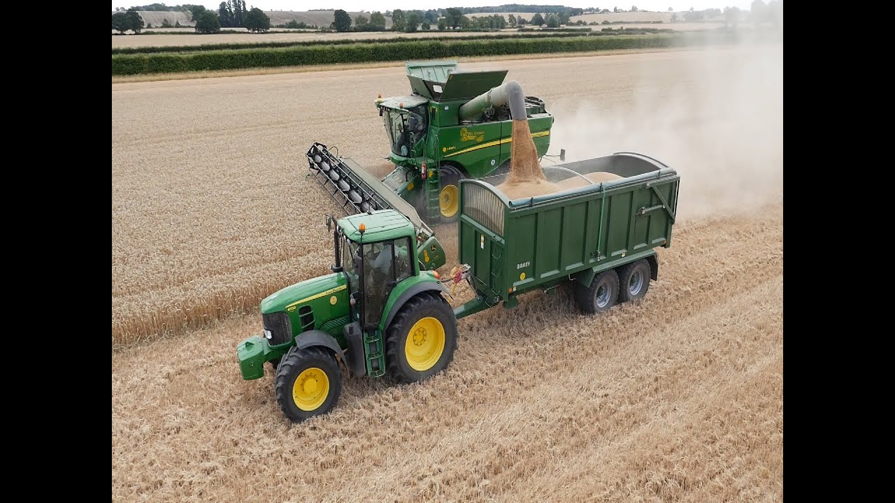John Deere 214 >> John Deere S690i combine with 35 foot header cutting wheat in England - YouTube
