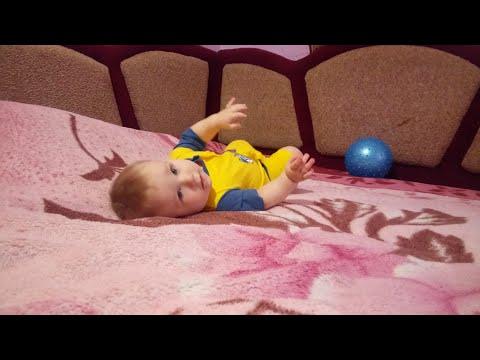 Развитие ребенка у 8 месяцев.  Розвиток дитини у 8 місяців.