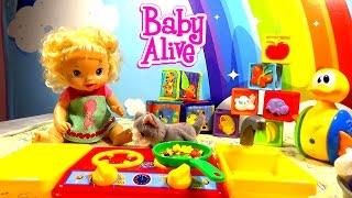 Куклы Пупсик Кормит кошечку Кошечка Мурка Котята играют с Пупсиком Детский Влог Малыш Curly Lisa