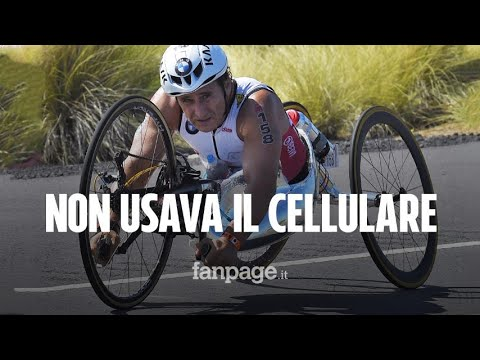 Il video dell'incidente di Zanardi: ha le mani sul manubrio. Sequestrati cellulare e bici