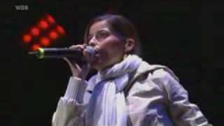 Nelly Furtado - Say It Right (Live At Rock am Ring).flv