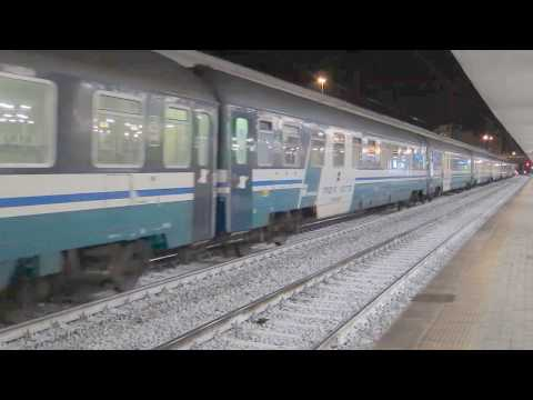 FS Express 1931 Venezia - Palermo / Siracusa hauled by E402A at Padova Centrale(2)