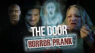 Pranque : The Door / Hologram ghost prank (feat. Lee Delong)