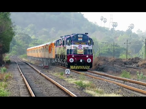 India's 1st High Speed Luxurious Mumbai - Goa TEJAS EXPRESS : INAUGURAL RUN : INDIAN RAILWAYS