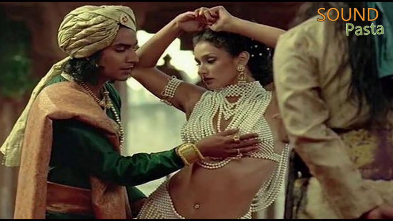 8 Bollywood Scenes That Were Deleted By Censor Board - Youtube-2061