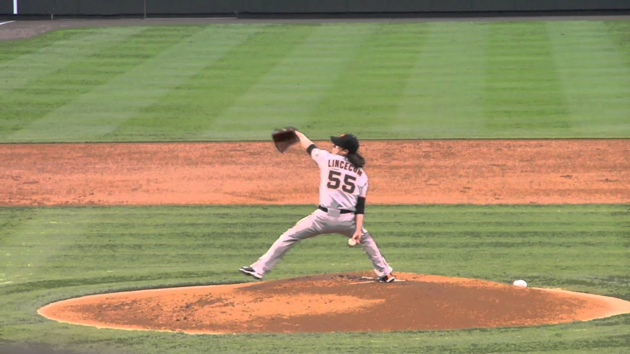 Tim Lincecum Pitching Mechanics in Slow Motion - YouTube