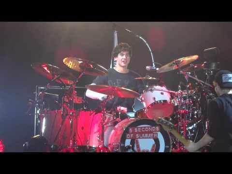 Calum Playing the Drums in Toronto 5sos