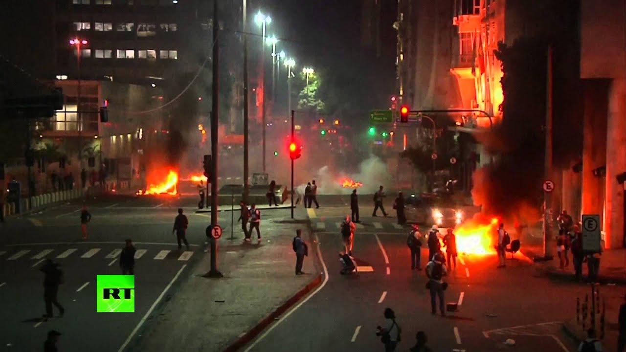 Забастовка профсоюзов в Бразилии закончилась столкновениями с полицией