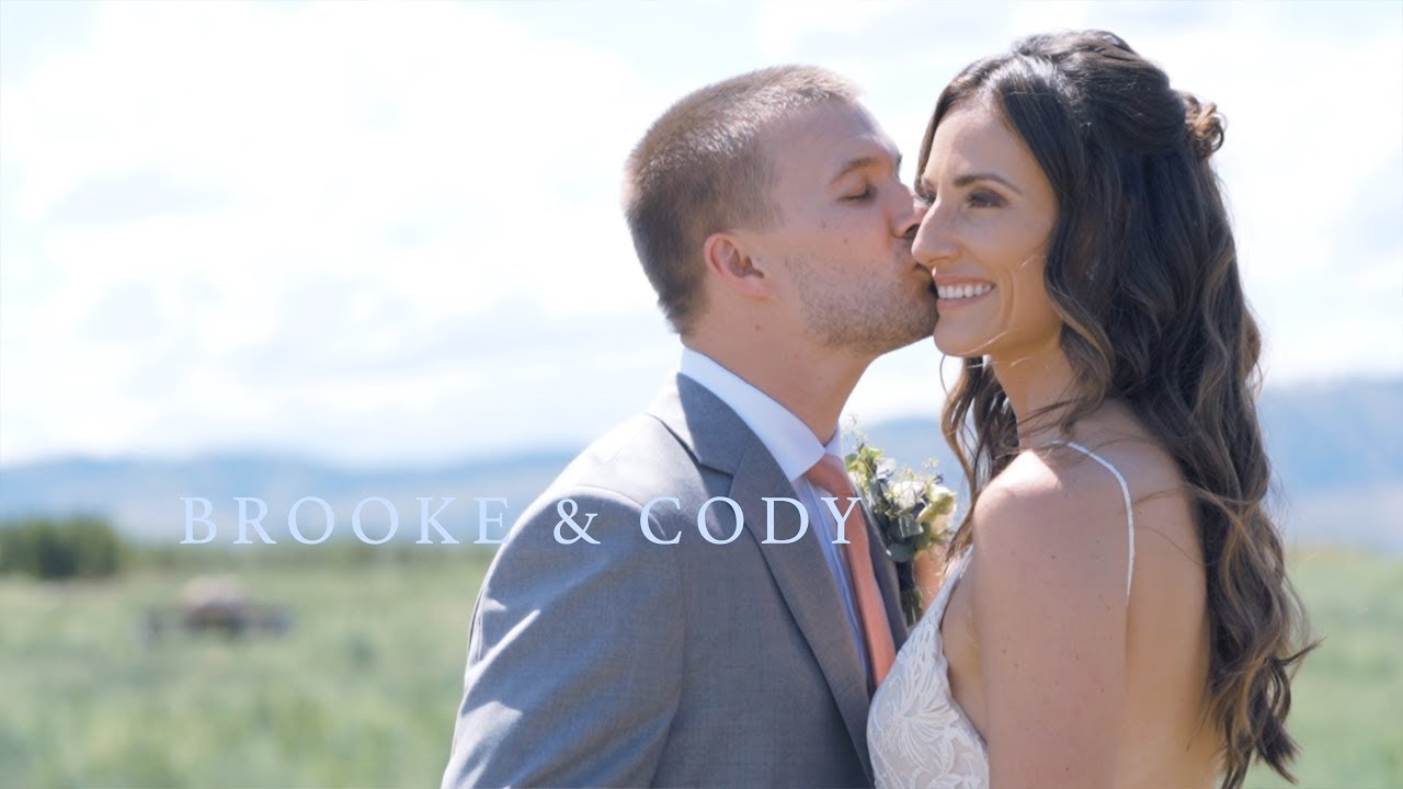 The most EPIC wedding 'EVA-EVA'! | Chelan, WA Wedding