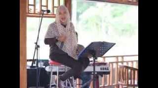 "Video Live Performance From Nesya Ayu Primawardani cover song "" Semua Bisa Bilang """