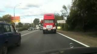 Беспредел на дороге. Мерседес и Огромный грузовик.