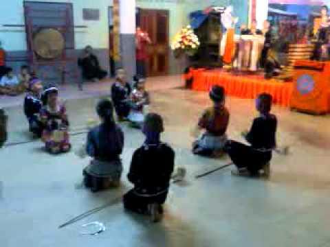 เด็กนักเรียนเซิ้งโปงลางผสมกับดนตรีพื้นบ้านภาคเหนือ แม่ยาวซิตี้