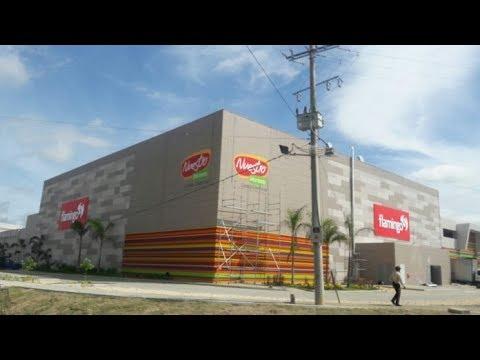 Hijos de Álvaro Uribe inauguraron un centro comercial de 120 mil millones de pesos en Montería