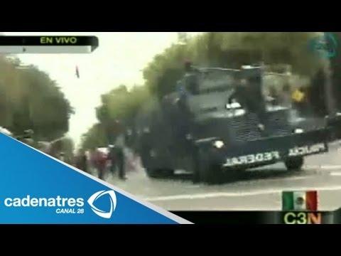 Policía Federal usa tanquetas de agua para desalojar a radicales de la CNTE y anarquistas