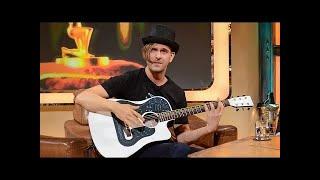Robin Sukroso: Erfinder der High-Tech Elektro-Gitarre - TV total