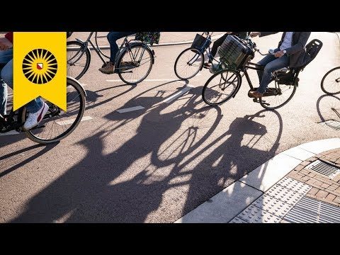 Another sunny day in cycling city Utrecht (Full HD)