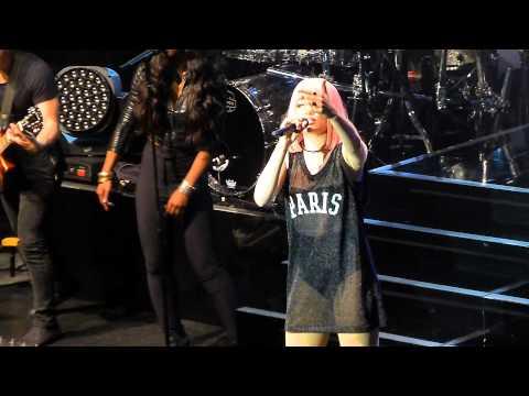 Jessie J - Nobody's perfect - Live Paris 2015