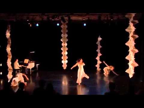 Folding/Unfolding: paper engineering & dance