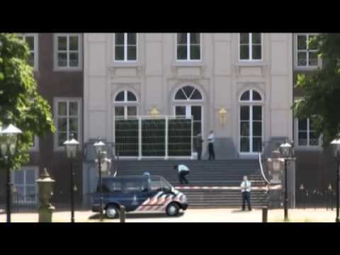 King of the Street Tags Dutch Royal Palace (Koningshuis Paleis Huis ten Bosch)