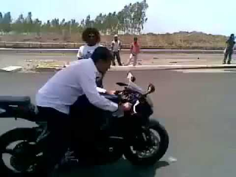 Thala Ajith Kumar Bike Race Stunts Mankatha