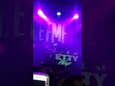 Fetty wap live in santa cruz jumps of stage