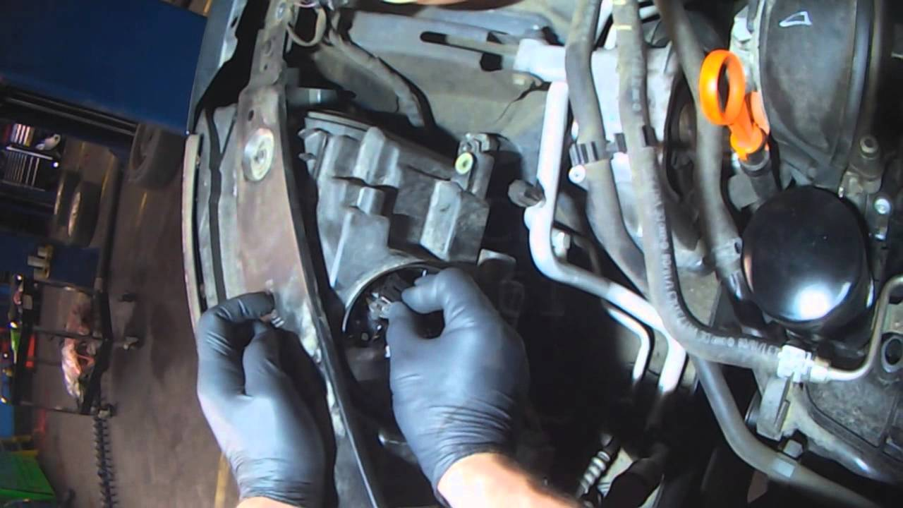 vw a5t tiguan front cornering light bulb replacement youtube