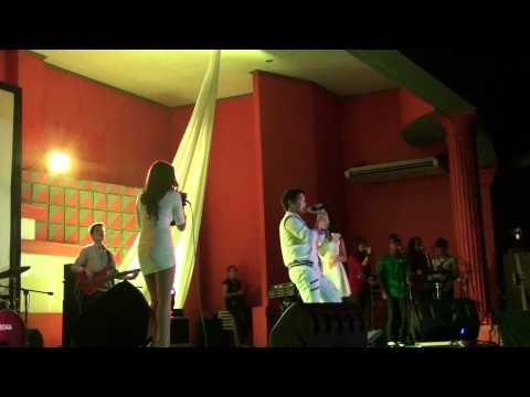 Christmas Songs Medley - Rita Iringan, Pocholo Bismonte, Vanessa Rangadhol