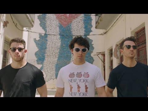 Jonas Brothers - New Documentary 'Chasing Happiness'