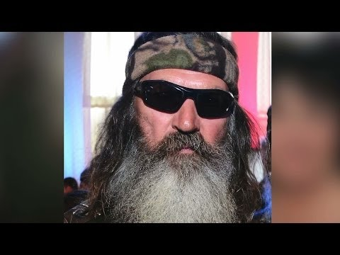 'Duck Dynasty' Star Phil Robertson's Anti-Gay Comments Spark Twitter Firestorm