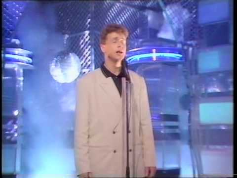 Michael Ball - Love Changes Everything Live TOTP