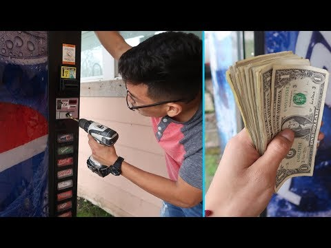 Bought An Abandoned Vending Machine FULL OF MONEY!!