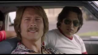 TODOS QUEREMOS ALGO de Richard Linklater - clip 1 - Aparcamiento