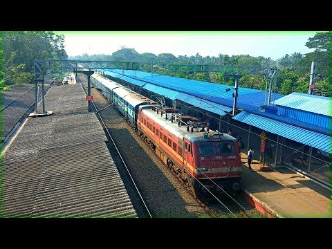 Ernad Express Announcement and Arrival at Thrissur