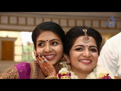 Vijay TV Anchor DD Divyadarshini Family Photo