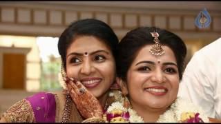 Vijay TV Anchor DD Divyadarshini Family Photo