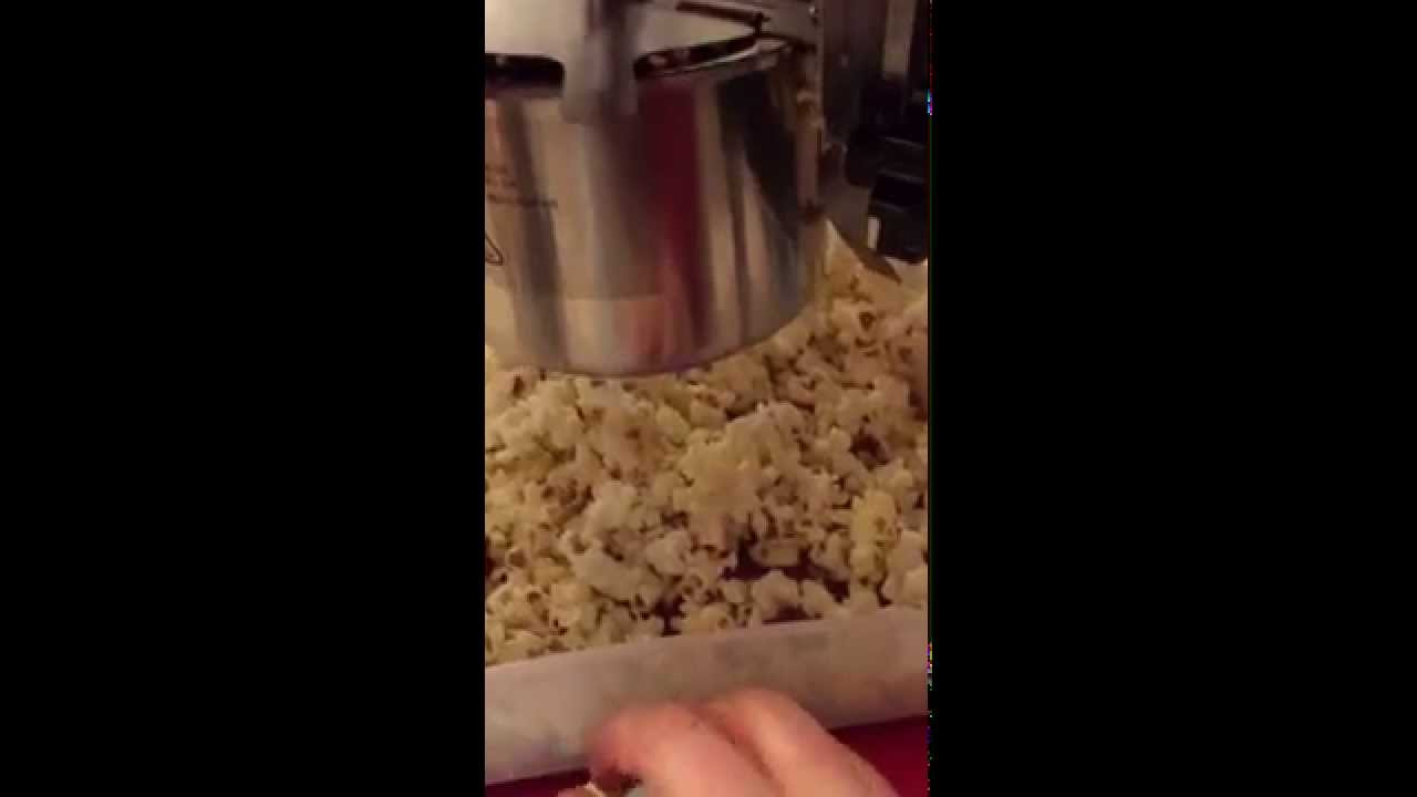West Bend Theater Style Popcorn Machine Video Review Youtube