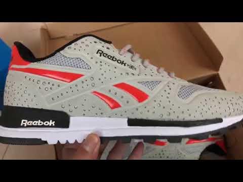 נעלי Reebok