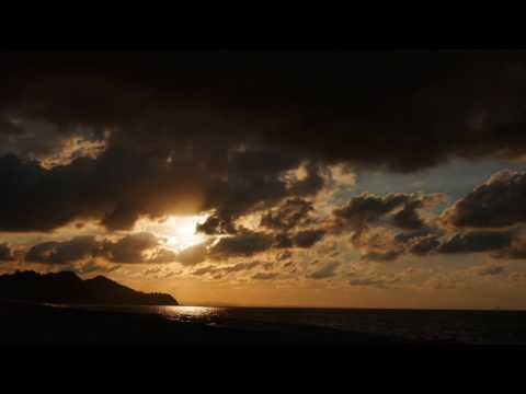 Relaxing Ambient Maori Music with Beautiful Sunset on the Beach - Healing Meditation Music