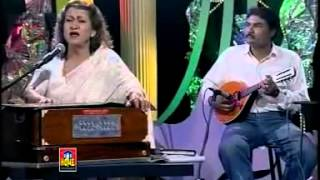 Download Awargi mein had se munni begum - YouTube.flv MP3 song and Music Video