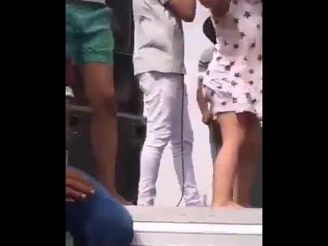 أمورة بنت صغيرة بترقص رقصة مصرية ▶0:31