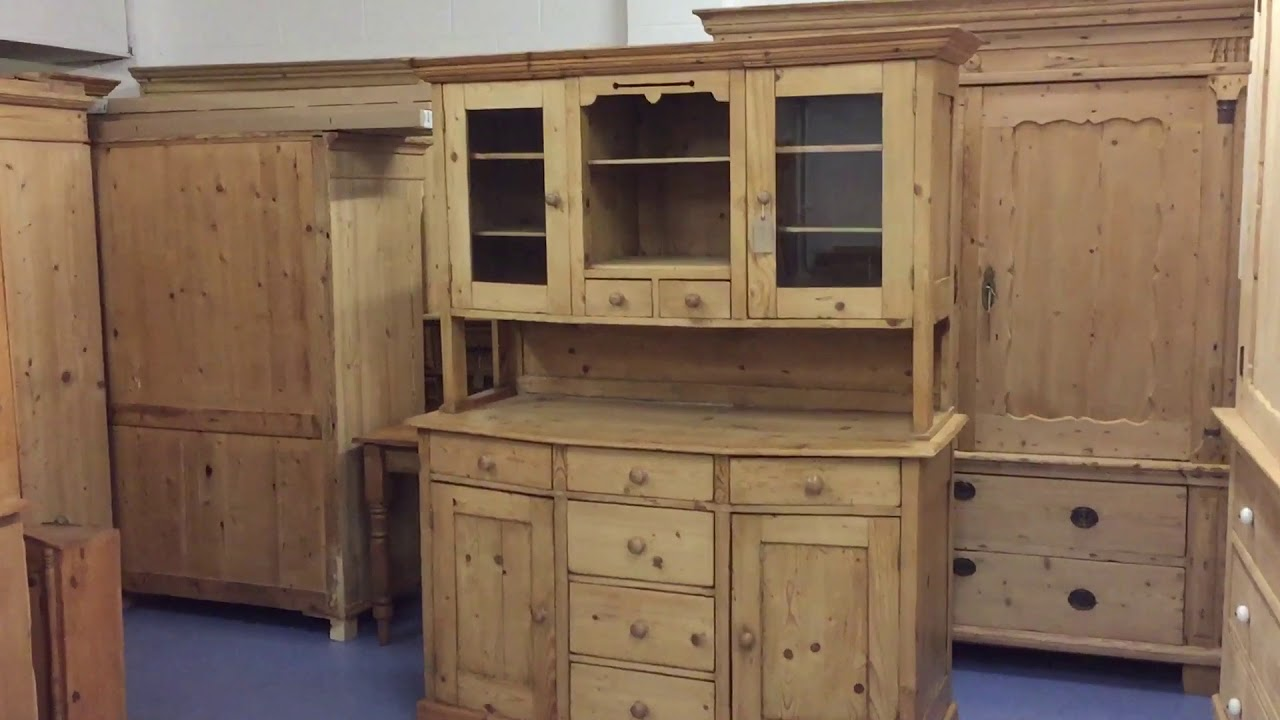 Large Rustic Old Pine Farmhouse Dresser   Pinefinders Old Pine Furniture  Warehouse
