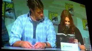 Stana Katic reads Castle's Heat Wave at Comic-Con