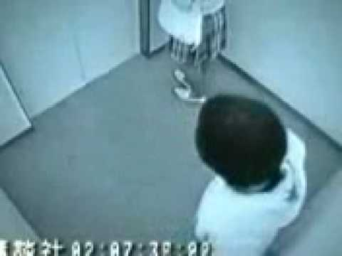 Crazy Japanese Robbery In Lift