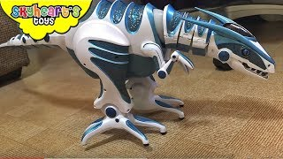 ALIEN DINOSAUR escapes out of box - Skyheart and Roboraptor Dinosaur toys for kids