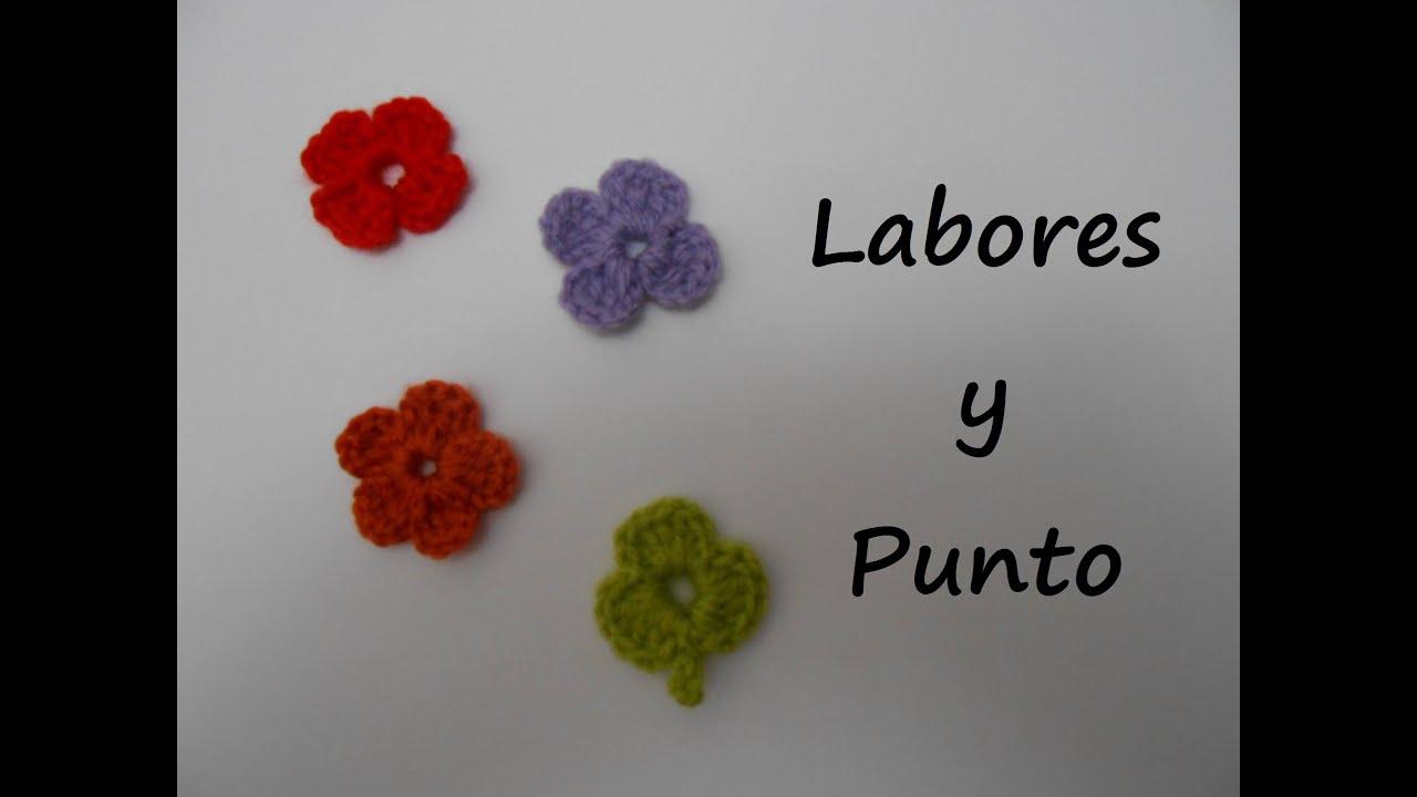 Como tejer una flor pequeña ganchillo o crochet - YouTube