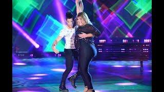 Beatriz Prandi hizo gala de su frescura en la Cumbia Pop y ¿besó a su bailarín?