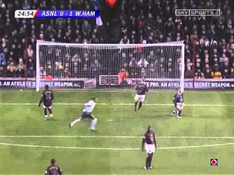 Nigel Reo-Coker Goal - Arsenal 2 West Ham United 3 - Premiership (1/2/06)