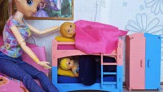 Фото СРОЧНО НУЖНА НОВАЯ КРОВАТЬ ДЛЯ ДИАНЫ И ДАНИКА Катя и Макс веселая семейка смешной сериал живые куклы