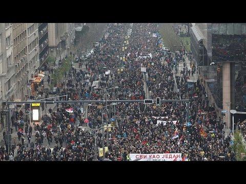الآلاف يتظاهرون في بلغراد احتجاجاً على حكم الرئيس الصربي…  - 20:54-2019 / 4 / 13